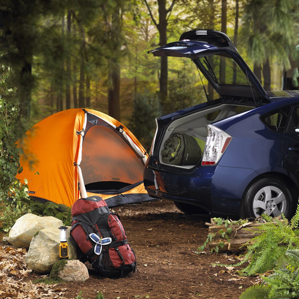 Product Photography, in-studio set design_green gear accessories_camping_Honda Hybrid